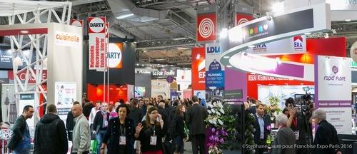 Besucher auf der Franchise-EXPO Paris.jpg