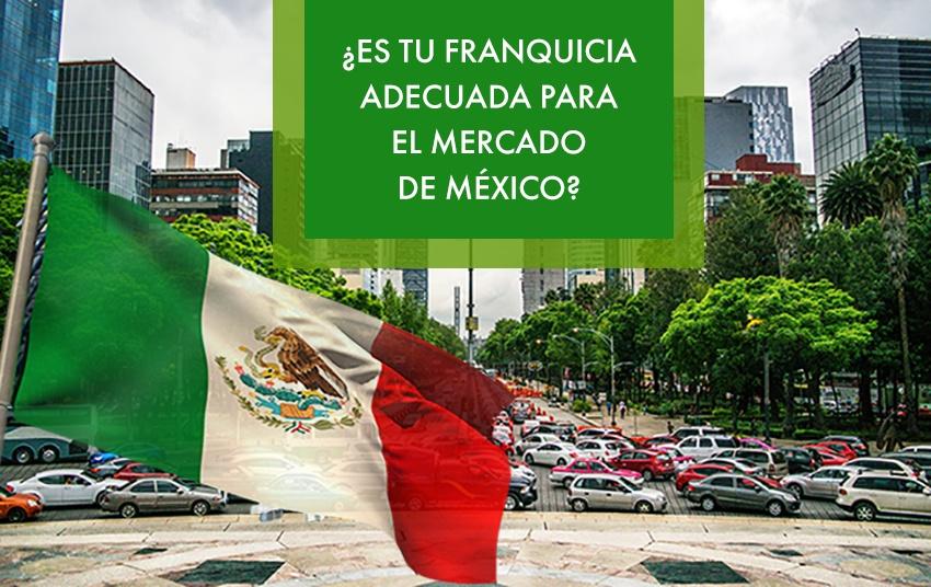 Imagen de las calles y edificios de México DF con la bandera mexicana