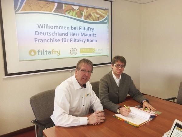 Vertragsunterzeichnung FiltaFry Bonn